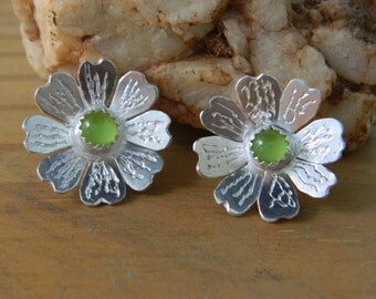 Lime Daisy Post Earrings