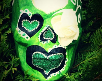 FREE SHIPPING Sugar Skull Day of the Dead HandMade Heart Ceramic Skull Mexican Rose Green Home Decoration