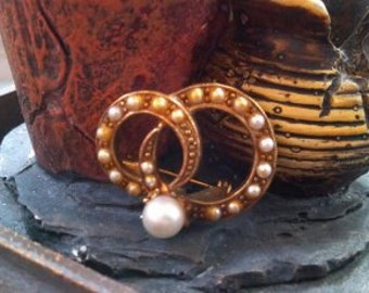 Brass and Pearl Brooch...eternity circles...Vintage 1950s