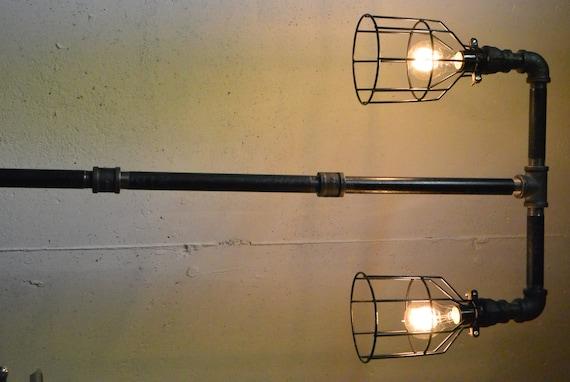 lampe de sol industriel tee plomberie tuyau. Black Bedroom Furniture Sets. Home Design Ideas