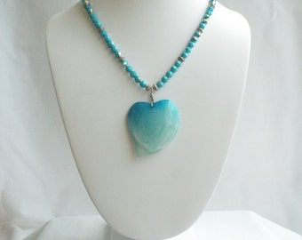 16 Inch Facetted Swarovski Crystal Rounds with Borosilicate Glass Heart Pendant