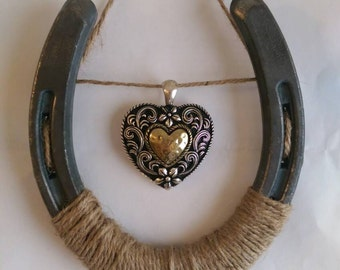 Western Heart Horseshoe Wall Decor