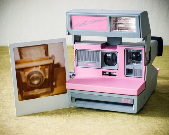 Pink polaroid camera - deals on 1001 Blocks