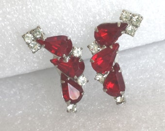 "Vintage red clear rhinestone clip on earrings 1 1/2""L silvertone"