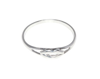 Sterling Silver .925 Lips, Kiss Ring Sizes 4 - 10 Available | Made in USA