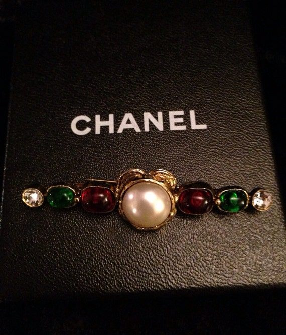Items similar to 1985 CHANEL Brooch. on Etsy