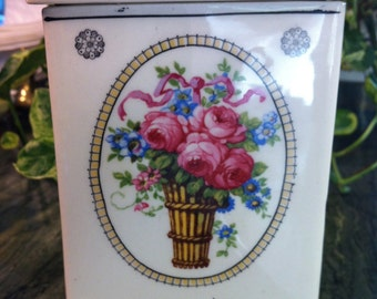 Old Paris French Style Pink Rose Blue Floral Basket Covered Canister Utensil Holder (6x4x4)