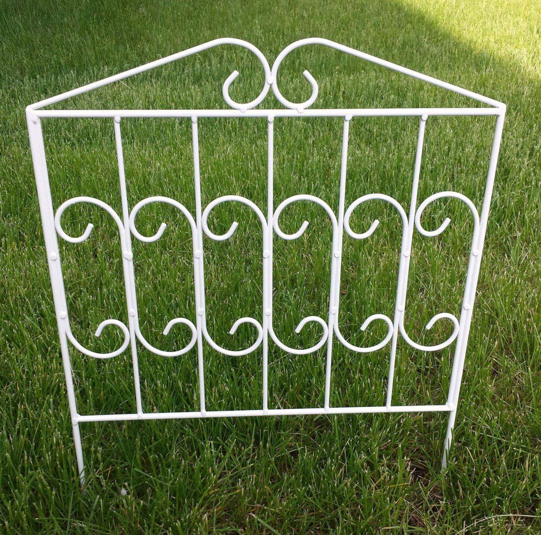 Metal scroll garden fence lawn border edging white by dvametal for Metal garden border