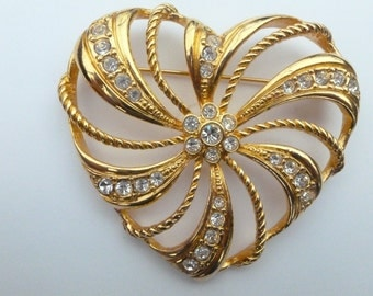 Avon Brooch large gold tone and clear rhinestone heart AB74