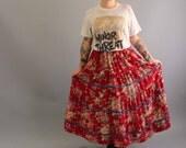 floral maxi skirt . red full skirt . floor length skirt . boho skirt . country skirt . womens vintage skirt size large