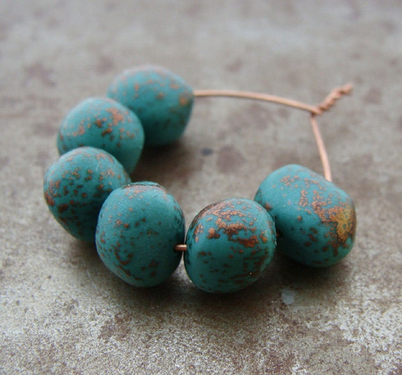 Emerald Bead Beads: Speckled Emerald Bead Wobbles