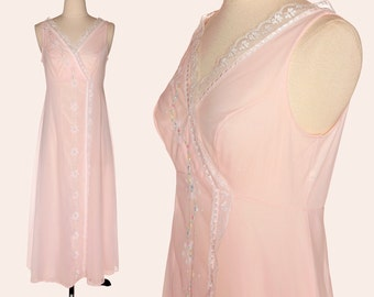 Vintage 70s Nightgown / Pink Nightgown / Shadowline Pink Floral Embroidered Nightgown