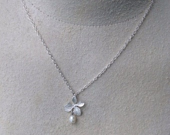 Silver Flower and Pearl Necklace