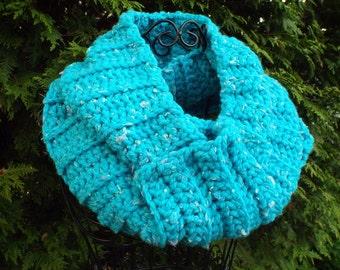 Womens Cowl, Infinity Scarf, Ladies Neck Warmer, Loop Scarf, Chunky Circle Scarf in Turquoise Tweed
