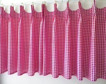 Scalloped Cafe Curtains - Red Gingham