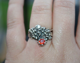 SALE...Vintage Sterling Silver  flowers bee  garnet Ring Twig Diorama  Stunning in size 7