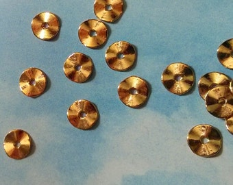 40 ruffled, wavy washers, antiqued gold tone, 10mm
