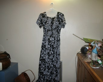 Erika Small Hibiscus Dress