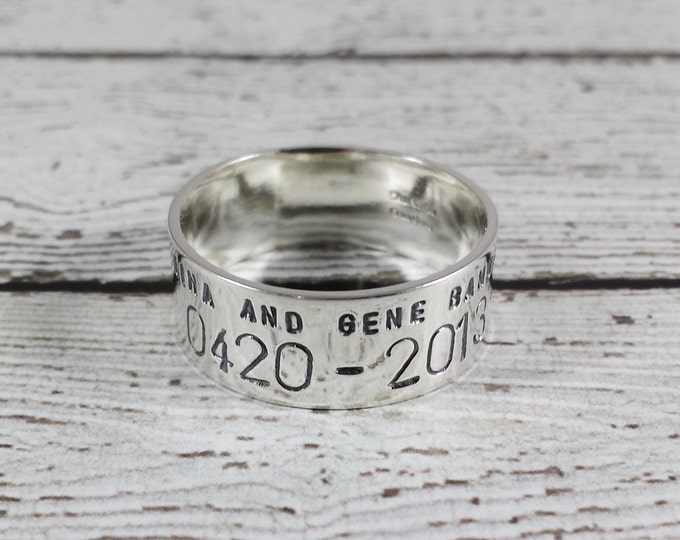 Featured listing image: Custom 14k White Gold Duck Band Ring - Personalized Wedding Band - Anniversary -  Gold Bird Band Wedding Ring