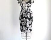 SALE Black & White Floral Print 1980s Vintage Wrap Dress S/M