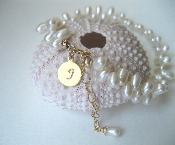 Bridal Pearl Bracelet Bridal Jewelry Personalised Bracelet Custom Initial Bracelet Mother of the Bride Gift Mothers Day Gift June Birthstone
