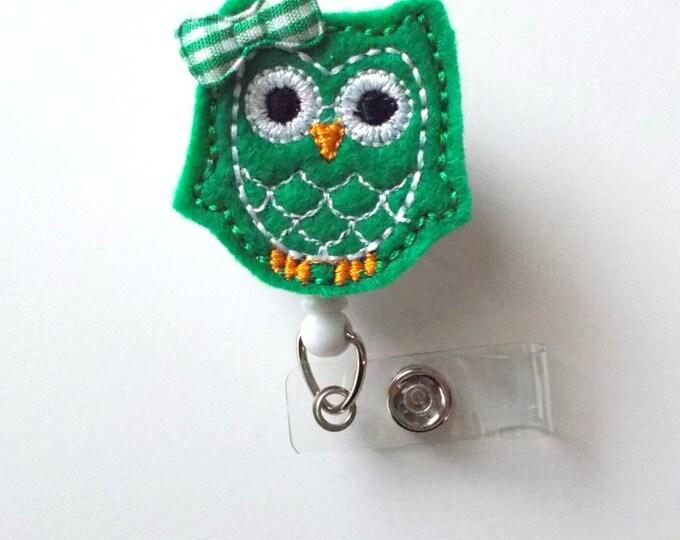 Kelly Green Owl with bow - Retractable ID Felt Badge Holder - Name Badge Holder - Nurse Gift - Nursing Badge Clip - Nurse Badge Holder
