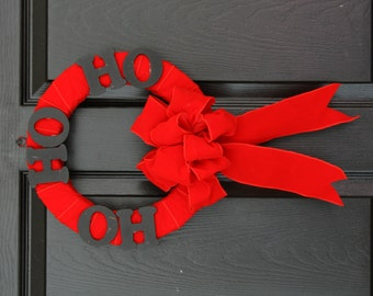 Hopping Velvet Small Holiday Wreath, Christmas Door Wreath, Red Christmas Wreath
