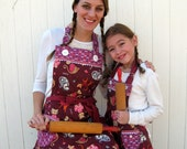 Matching Mother Daughter Apron Set Reversible in Purple and Pink Kitty Lovers