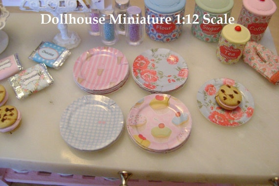 MINIATURE PAPER PLATES - Choose 1/12 Scale or 1:6 Playscale Miniature