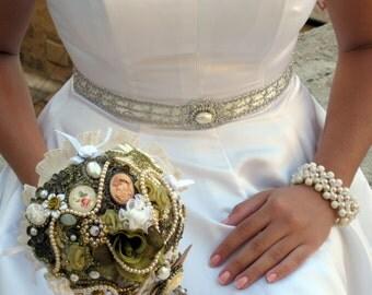 Alternative Wedding Bouquet , Bridal Brooch Bouquet  , Steampunk Bouquet  ,Victorian Jewelry Bouquet , Pearls Bouquet
