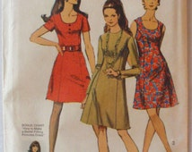 Womens Vintage Sewing Pattern - Princess Seam Dress With Two Necklines - Simplicity 8884 - Size 12, Bust 34, Uncut