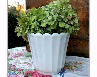 Vintage Milk Glass Planter / Wedding Milk Glass Centerpiece