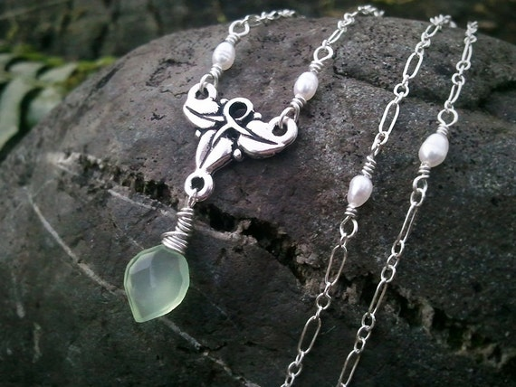 Elven Ivy Green Leaf Chalcedony and Tiny Pearls Necklace -Elven Jewelry- by Quintessential Arts