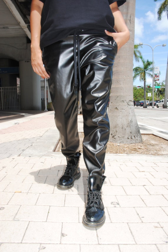 Free shipping and returns on Women's Faux Leather Pants & Leggings at nazhatie-skachat.gq