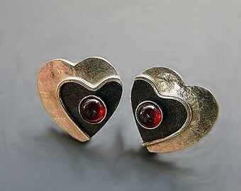 Silver heart earrings. Sterling silver heart earrings with garnet. Stud earrings. Silver post earrings. Silver jewellery. MADE TO ORDER.