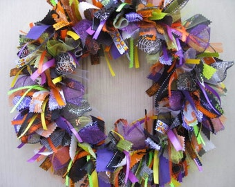 Halloween Wreaths, Trick or Treat Decor, Halloween Fabric Wreath Ribbon Wreath, Halloween Decoration, Fall Wreaths, Halloween Fall Decor