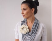 Crochet PATTERN, Loop infinity cirlce scarf, cowl chunky chain oversized  flower neckwarmer, DIY photo tutorial, Instant download