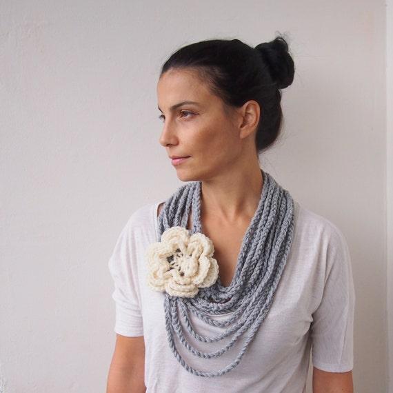Crochet PATTERN, Loop infinity cirlce scarf, cowl chunky chain oversized  flower neckwarmer, DIY photo tutorial, Instant download