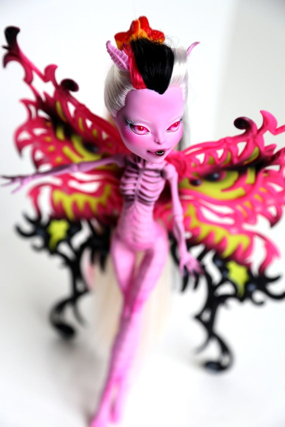 Repaint monster high bonita femur - Monster high bonita ...