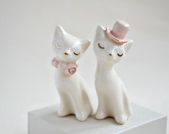 Cat cake topper, wedding cake topper, pink gold ivory - ceramic cat cake topper wedding, bride and groom cats - wedding keepsake