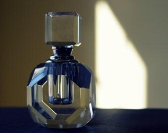 Custom Engraved Mini Round Crystal Perfume Bottle