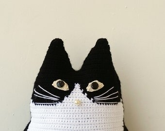 Black and white cat pillow, stuffed cat portrait, crochet cat pillow in black and white, custom pet portrait, single cat pillow, portrait