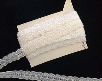 Vintage Sheer Nylon Scalloped  Embroidered Lace, Vintage Lingerie Lace, Vintage Wedding Lace, Vintage Bridal Lace