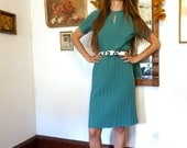 SALE--20% OFF Listing Price--Mermaid Style Sea Foam Green vintage dress size 4 to 8