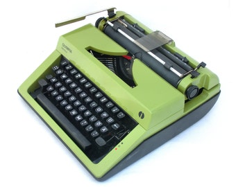 Vintage Typewriter, Manual typewriter, Green / Olive / Black Typewriter Olympia Monica 70s, Working Typewriter Green, Portable typewriter