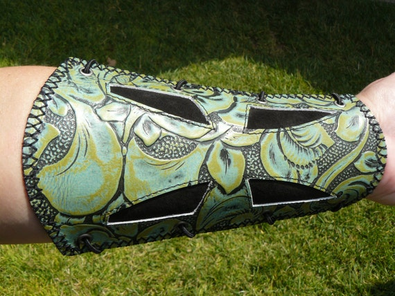 """Build-An-Archery Armguard """"Gabriel"""" by MYSTIC QUIVERS- Made to order"""