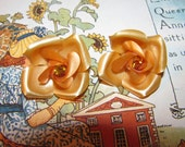 Signed Vintage Silver Tone Butterscotch Yellow Plastic Rhinestone Flower Clip On Earrings