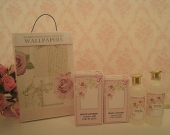 DOLLHOUSE LOTION & BOX