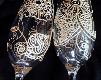 Bride & Groom toasting flutes CUSTOM hand painted champagne glasses in Mehndi style designs, Gold, pewter ,pearl white.Option to personalize