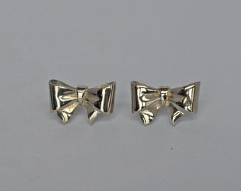 Lovely Vintage Silver Bow Earrings Pierced